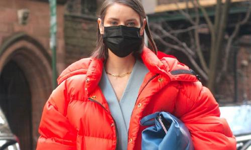 Ни в коем случае не носите черные защитные маски: объяснение врача
