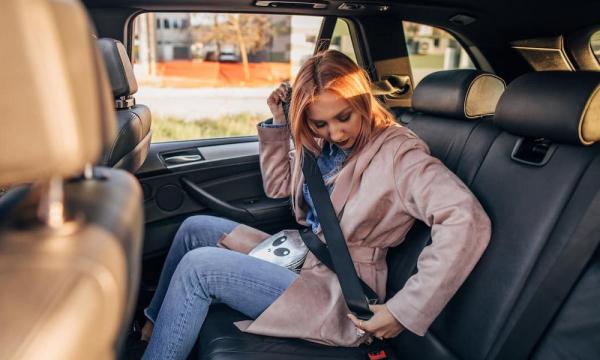 Какие ошибки при использовании ремней безопасности допускают водители и пассажиры